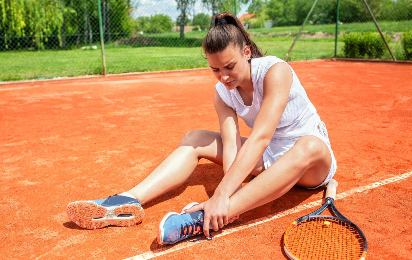 Leg injury on the tennis court